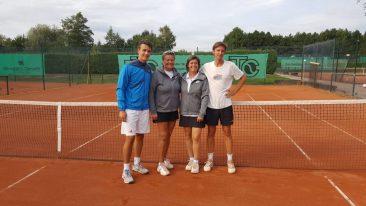 Die Finalisten der Einzelkonkurrenzen: Julian Otto, Dorota Sieradzks, Maibritt Eichholz und Nils Tyczewski.