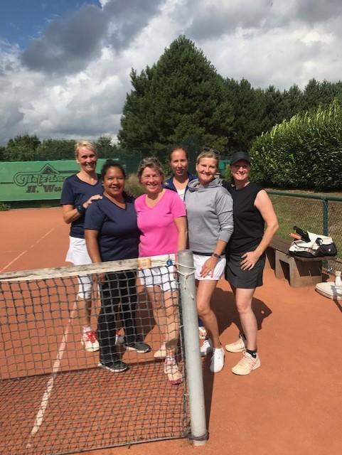 Die zweite Damen 40 hat in diesem Jahr viel vor: Sandra Volkers, Susanne Wiese, Evelin Möller, Lidija Durmisovska, Ute Stümpel und Petra Lindemann (v.l.).
